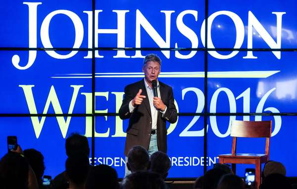 "Gary Johnson in Austin pitches himself as alternative to ""two evils"" photo"